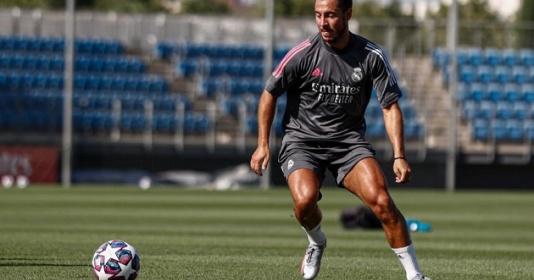 Phòng thay đồ Real ngạc nhiên với thể hình của Hazard